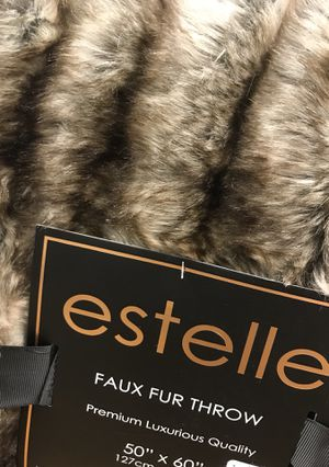 Fur Blanket - Super Fancy and Elegant for Sale in SUNNY ISL BCH, FL