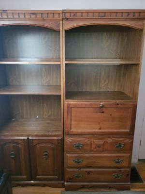 Wood shelves with cabinets and built in desk for Sale in Altamonte Springs, FL