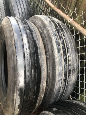 Used Low Pro 22.5 trailer tires for Sale in Hialeah, FL