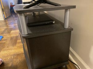 TV console table for Sale in Queens, NY