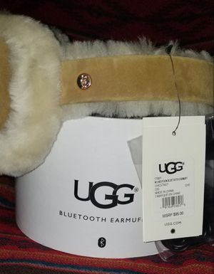 UGG SHEEPSKIN BLUETOOTH EARMUFFS for Sale in San Jose, CA