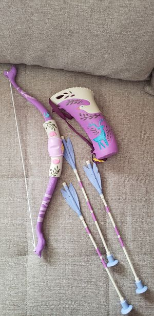 Rapunzel bow and arrows. for Sale in Schiller Park, IL