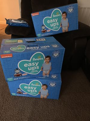 Pampers Brand 104 ct Box Size 4t-5t w/ 1 free pack of wipes for Sale in Temple Hills, MD