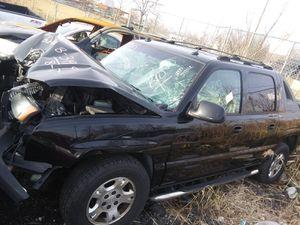 2005 Chevy Avalanche/ Silvarado for Parts for Sale in Calverton, MD