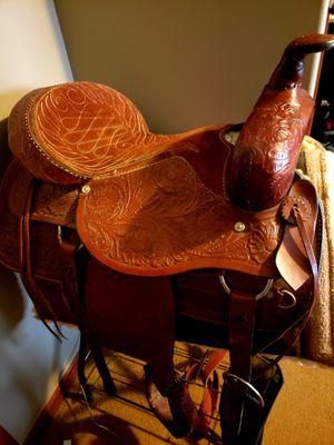 Adult leather/suede saddle for Sale in Ville Platte, LA