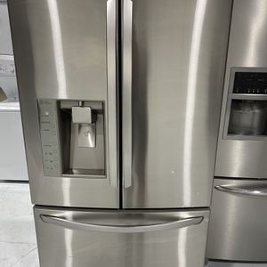 """Lg Redrigerator """"warranty"""" for Sale in Hollywood, FL"""