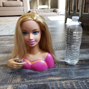 Mattel Barbie Hair Styling Movable Head Blonde Pink 2005 (Used Like-New) for Sale in Las Vegas, NV