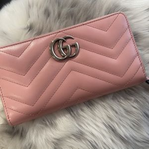 Gucci Pink Wallet for Sale in Fontana, CA