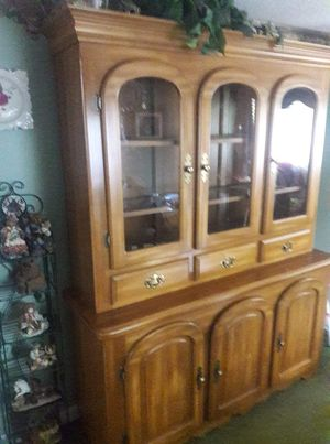 Solid wood dinette set with china cabinet for Sale in Spartanburg, SC