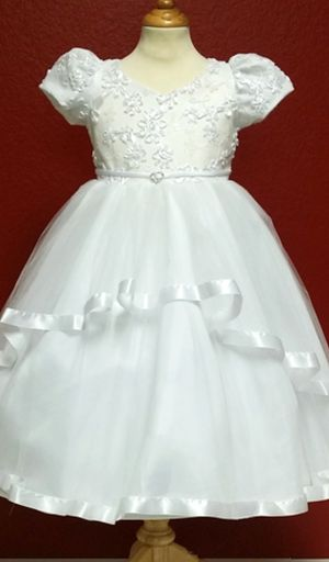 New White formal dresses for Sale in Lincoln Acres, CA