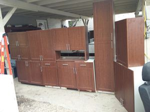 Kitchen cabinets for Sale in San Antonio, TX