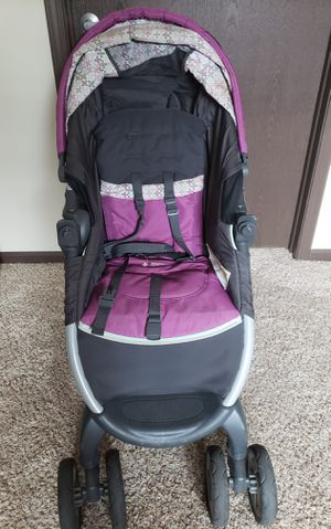 Graco Stroller and Car seat travel system for Sale in Arden Hills, MN