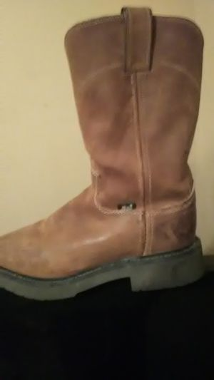 Brown leather work boots Justin brand size 6 men's for Sale in Winchester, TN