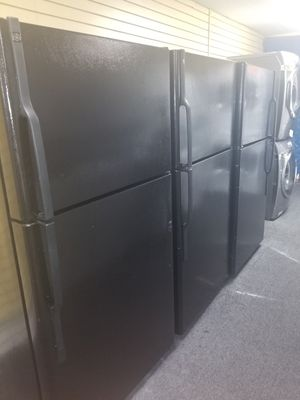 """Black 33""""wide top freezer refrigerators in excellent condition for Sale in Randallstown, MD"""