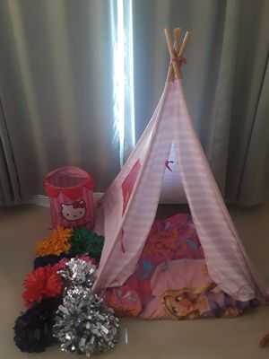Tent, comforter ,pom poms & hello kitty storage for Sale in Riverside, CA