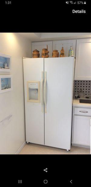 2-door fridge for Sale in Boca Raton, FL