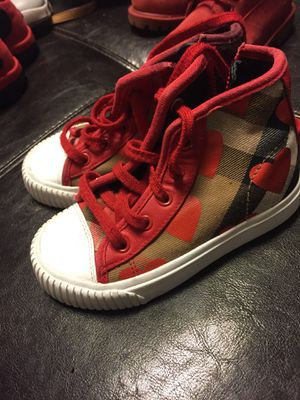 Burberry size 26 for Sale in St. Louis, MO