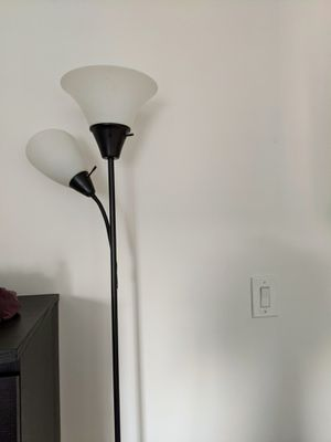 Floor lamp with white bulb for Sale in Jersey City, NJ