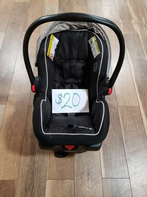 Graco car seat with base for Sale in Methuen, MA