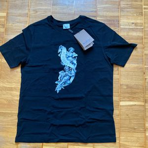 Burberry T shirt for Sale in Chicago, IL