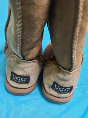 UGG 👢 for Sale in Jurupa Valley, CA