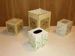 Tissue box covers + wastecan for Sale in Middletown, PA