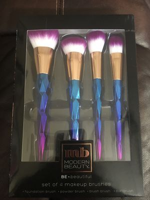 Set of 4 makeup brushes for Sale in Orlando, FL