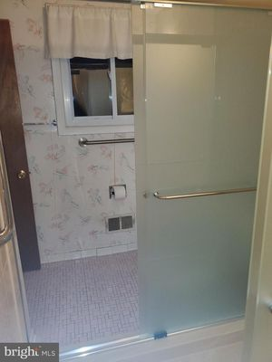 New sliding shower door sets (2 available) for Sale in Washington, DC