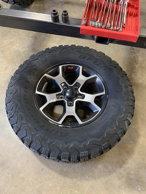 Jeep rubicon wheels and tires 5 total for Sale in Chino, CA