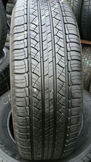 P225/65/17 Michelin semi nuevas for Sale in Los Angeles, CA