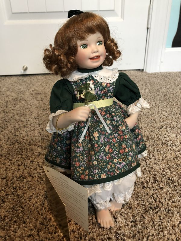 Porcelain Doll /Ceramic Statue (collectible figure, Irish, Caitlyn)