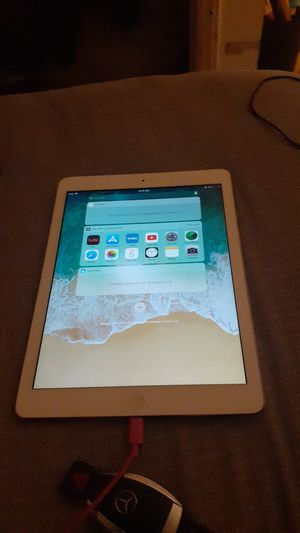 Apple ipad air 2 asking 220 needs a new charger but works excellent for Sale in Durham, NC