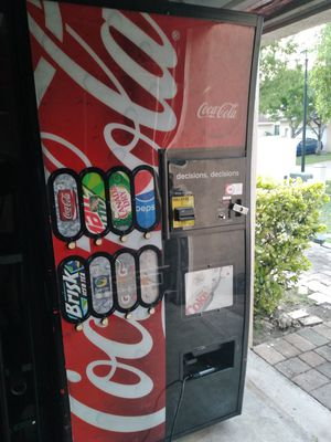 Royal Vendor Drink Machine for Sale in Princeton, FL