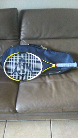 Tennis racket Dunlop w/ tennis bag for Sale in Hialeah, FL