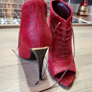 Burberry Heels for Sale in Chicago, IL