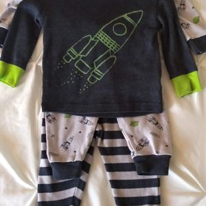 Size 12 Months Pajama Set for Sale in Phoenix, AZ