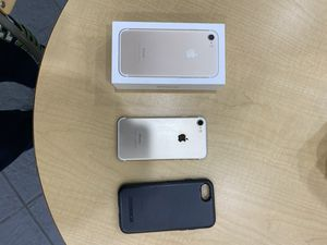 iPhone 7, 32 GB, great condition, with an Otter box Case. for Sale in Everett, WA