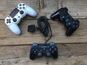 Sony PlayStation Lot of 3 - PS2, PS3, and PS4 Controllers for REPAIR OR PARTS for Sale in Moreno Valley, CA
