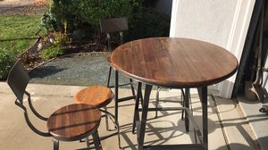 High top table and 4 seats / great for kitchen nook! for Sale in Brentwood, CA