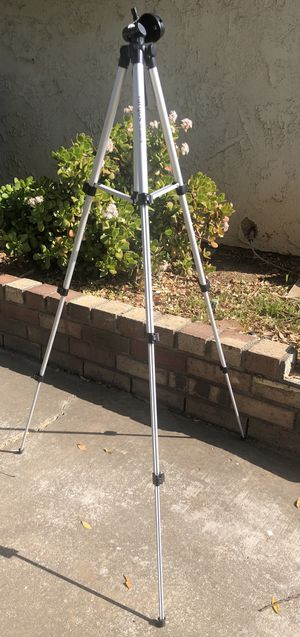 Targus TG-5060TR Tripod 50 Inch Telescopic Feet Carry Bag Instructions Included for Sale in Riverside, CA