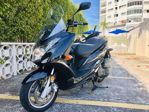 YAMAHA S MAX 155cc for Sale in Miami Beach, FL