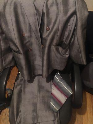 Suit for Sale in Detroit, MI