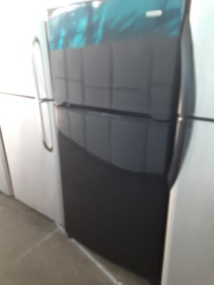 $299 Kenmore black 20 cubic fridge measures 33 wide includes delivering the San Fernando Valley warranty and installation for Sale in Los Angeles, CA