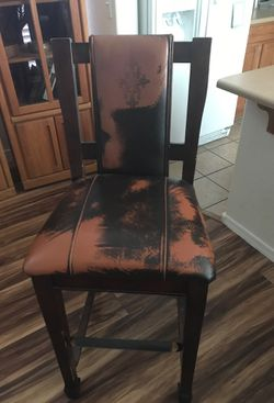 Heavy wood bar stools lightly used. for Sale in Mesa,  AZ
