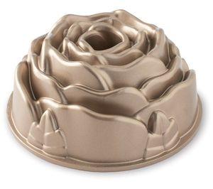 Nordic Ware Rose Bundt Pan for Sale in Pompano Beach, FL
