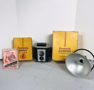 Vintage Kodak Brownie Synchro Reflex and Flasholder for Sale in Providence, RI