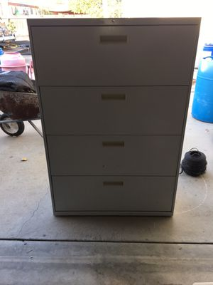Metal cabinet for Sale in Dinuba, CA