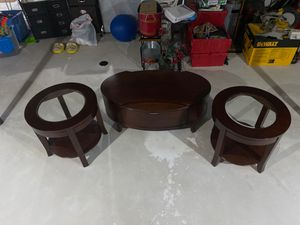 3 piece coffee table with end pieces for Sale in Shelby Charter Township, MI