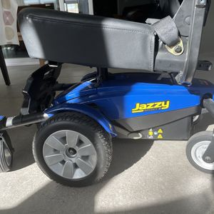 Jazzy pride Select 6 Scooter for Sale in Anaheim, CA