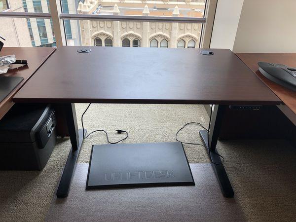 Uplift Desk